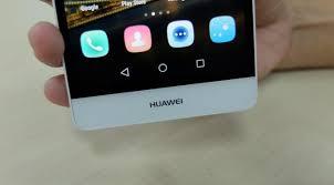 huawei p8 lite vs iphone 6. desain dan antarmuka pengguna. sisi atas bodi huawei p8 lite tampak belakang vs iphone 6