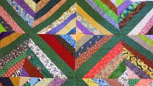 My Patchwork Quilt: HOW TO MAKE A STRING QUILT BLOCK & As I said Linda made two quilt tops for us. Generally speaking String Quilts  are completely random, but one of hers wasn't. Adamdwight.com