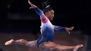 Athletes in the balance beam final. Ig6fxgloecnfrm