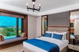 Beds: Choice Of Twin Or Queen Size Bed And Two Single Beds