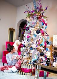 10 Totally Unique Christmas Tree Decorating Ideas - Studio M Blog |  Wrapping gifts, Unique christmas trees and Pj