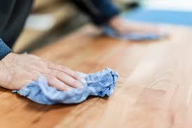Holzmöbel Mit öl Behandeln Die Richtige Möbelpflege Für Echtholz