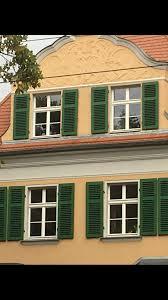 Fensterläden In Holz Grün Oberflächenbehandelt Fensterläden In