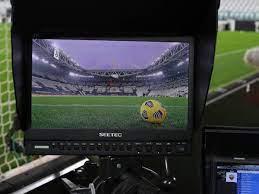 Sky offre mezzo miliardo all'anno a DAZN per la Serie A