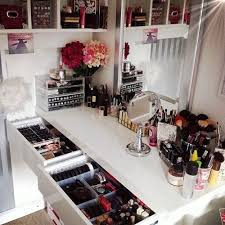 i ve always wanted a make up vanity between all my make up and nail polish i need one of these