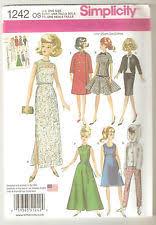 """Barbie Doll Clothes Patterns Unique McCalls Sewing Pattern 48 48½""""48cm Barbie Retro Vintage Fashion"""