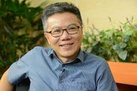 Giáo sư châu là nhà toán học với công trình chứng minh bổ đề cơ bản cho các dạng tự đẳng cấu, được tạp chí time bình chọn là một trong 10 phát từ năm 2012 đến nay, giải thưởng được trao 2 năm/lần. Việt Nam Dan Chủ Gs Ngo Bảo Chau Co Quan Ä'iểm Trai Vá»›i Sá»± Giao Ä'iều