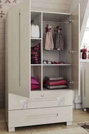 <b>Детские шкафы для одежды</b> (41 фото): белая секционная ...