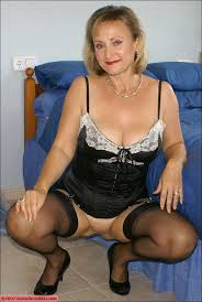 Old mature nylons movies