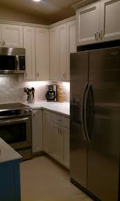 White Stone Kitchen Backsplash After Kraftmaid Cabinets Canvas Color Natural Tumble Stone