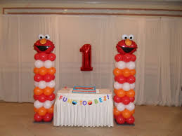 Sports Themed Balloon Decor Elmo Party 2 Party Decorations By Teresa