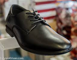 hush puppies mens soft leather laced shoe gloriously soft leather with cushioned cuff and easy on velcro touch fastening this shoe has everything a good