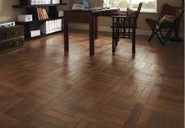 image of oak vinyl wood plank flooring