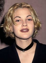 drew barrymore made matte lips look so good note the choker