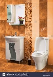 Schöne Und Stilvolle Badezimmer Mit Blüten Mit Orange Fliesen