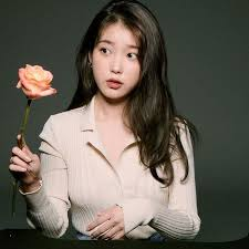 Iu, south korean singer, songwriter and actress. Iu Displays A Pure And Pretty Look While Posing With Flowers Allkpop