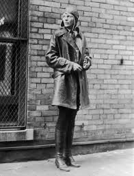 amelia earhart essay davenport school district homework helpline amelia earhart amelia mary earhart had the courage and independence to do example amelia earhart research paper at good example papers
