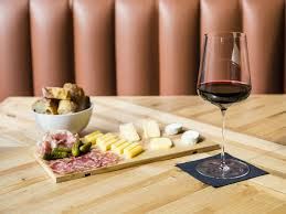 bars and pubs wine bars