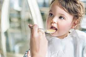 Bé ăn dặm mấy bữa một ngày là đủ?-Viện Dinh dưỡng VHN Bio