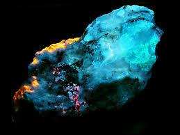 Sodalite Uv Light Greenland Sodalite Tugtupite Analcime Ussingite Uv Flickr