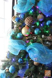 Christmas Tree Decorating Ideas: Colored Lights