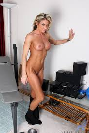 Anilos Lexus Smith Weightlifter milf babe toning her hot body.