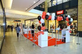 Slavnostní Otevření Obchodu Alessandro V Obchodním Centru Chodov