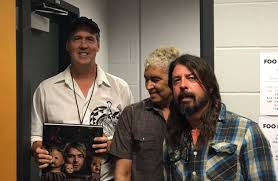 Watch Foo Fighters Cover Mollys Lips With Krist Novoselic