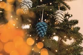 Weihnachtsdeko Basteln Tannenzapfen Als Baumschmuck Obi