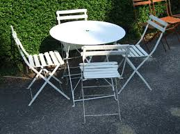 plastic round folding tables
