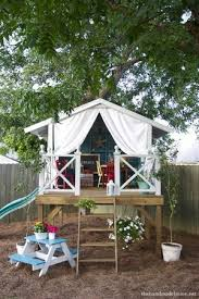 simple tree house pictures. A Simple Tree House Decorated For Kids Pictures
