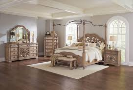 traditional bedroom designs. Plain Designs Traditional Interior Style Looks Luxurious Rich It Demonstrates The High  Social Status And Refined Taste Of Owners House On Bedroom Designs