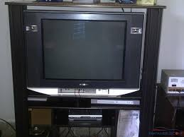 sony tv 30 inch. sony 30 inch tv for urgent sale..perfect working condition..made in thailand..its not local .. price is negotiable...please call or sms
