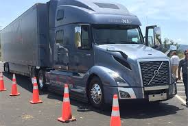 2018 volvo tractor. plain tractor trucking reporters took the new volvo vnl for a spin on test track at  volvou0027s to 2018 volvo tractor