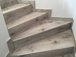 Our treads are solid wood (no splitting or warping) free of defects and come ready to stain. Baustelle Treppe In 2020 Fliesen Holzoptik Holzoptik Treppe Fliesen