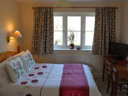Perfect Comfortable 1st Floor Single (ideal) Or Small Double (compact) Bedroom. Max  2 Adults.
