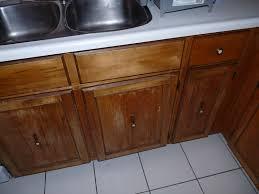 diy re varnished cabinet fronts dans le lakehouse rh danslelakehouse com varnishing kitchen cabinet doors varnish kitchen cabinets clear