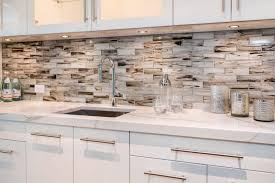 kitchen glass tiles come in clear pearlescent and opaque varieties shiny metal backsplash tiles complement urban chic style and modern kitchens