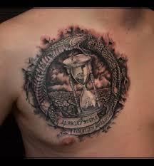 татуировка на груди у парня песочные часы и змея фото рисунки