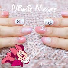 Seriaのディズニーネイルシールで簡単ピンクミニーちゃんのハッピー