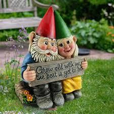 garden decor in love figurine