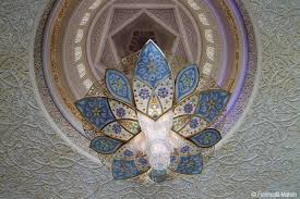 the largest chandelier is the second largest known chandelier inside a mosque the third largest in the world and has a 10 m 33 ft diameter and a 15 m 49