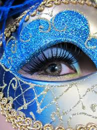 eye makeup for under masquerade mask
