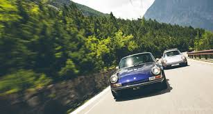 Singer vehicle design is an american company that modifies porsche 911s. Taking The Alps With Two Porsche 911s Reimagined By Singer Classic Driver Magazine