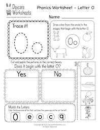 Worksheets of matching long vowel sounds to the correct picture. Free Letter O Phonics Worksheet For Preschool Beginning Sounds