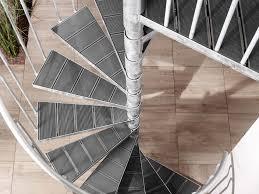 Ein weiterer faktor, der großen einfluss auf den einbau der treppe nimmt, ist die konstruktion. So Montieren Sie Die Aussentreppe Intercon K2 Treppenblog