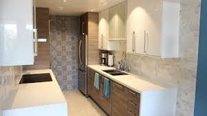 High Gloss White Kitchen Cabinets For The Uppers With Flat Panel