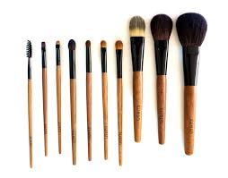 best eyeshadow brushes. i particularly love suesh\u0027s eyeshadow brushes - reach for them every single time do my eye makeup. best d