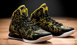 under armour shoes stephen curry gold. under armour debuts stephen curry\u0027s first signature shoe | golden state warriors shoes curry gold nba.com