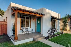 Good Before And After: A Sweet Spanish Bungalow By The Beach